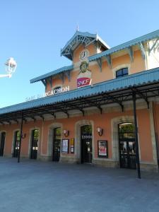 Gare SNCF Arcachon - Transport ferroviaire - Arcachon