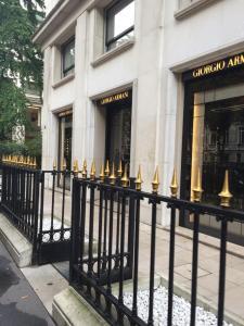 Giorgio Armani Retail - Vêtements homme - Paris