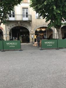 Giulio - Restaurant - Revel