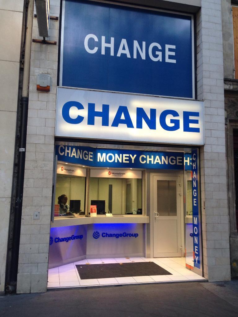 The Change Group Saint Michel Paris Paris Bureau De Change Adresse