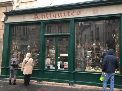Gossot Renée - Achat et vente d'antiquités - Dijon