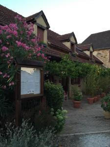 Hôtel Restaurant Chastrusse - Hôtel - Nadaillac-de-Rouge