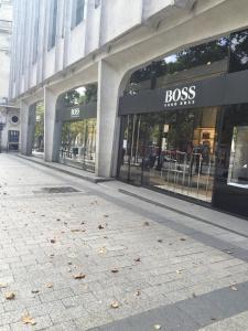 Hugo Boss - Vêtements homme - Paris