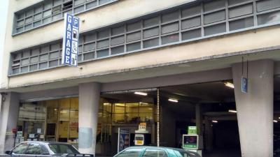 Immeuble du 10 r Versigny Bat Rue 75018 Paris - Garage automobile - Paris