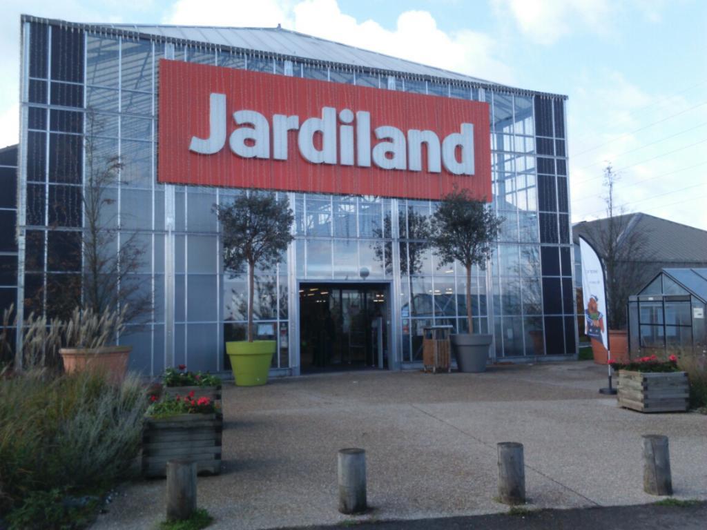 Jardiland Flins sur Seine - Jardinerie (adresse, avis)