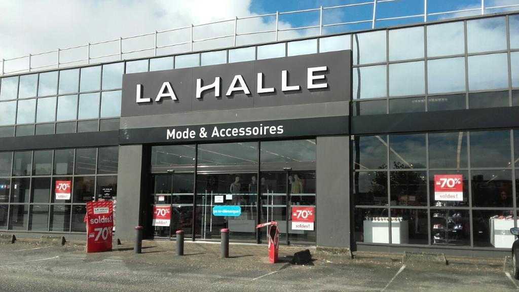 La Halle Mode et Accessoires Mérignac Magasins de vêtement
