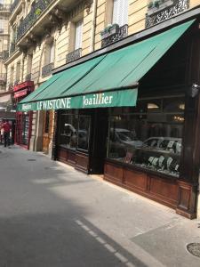 La Metrop Compagnie - Lewistone - Fabrication de bijoux fantaisie - Paris