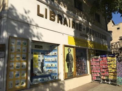 Lacour - Ollé - Librairie - Nîmes