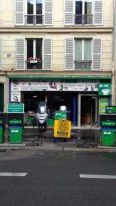 Lag Carburant - Station-service - Paris