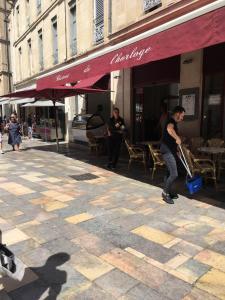 Le Bistrot De L Horloge - Café bar - Nîmes