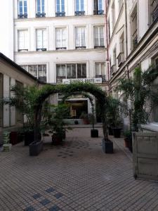 Le Timbre Classique - Philatélie - Paris