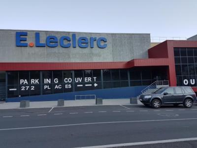 Leclerc - Location d'automobiles de tourisme et d'utilitaires - Briançon
