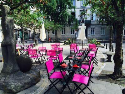 Les 2 Pieds Sous la Table - Restaurant - Aurillac