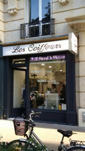 Les Coiffeurs - Coiffeur - Paris