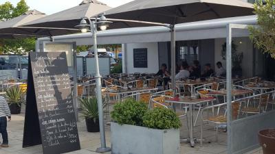 les Pieds Dans L Eau - Restaurant - La Flotte