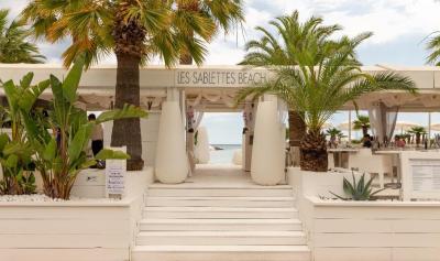 Les Sablettes Beach - Restaurant - Menton