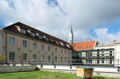 Notre-Dame du Grandchamp - Cours de langues - Versailles