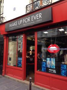 Make Up For Ever - Parfumerie - Paris