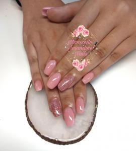 Mamzelle Amandine Nails - Manucure - Avion