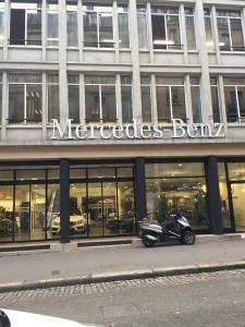 Mercedes - Concessionnaire automobile - Paris