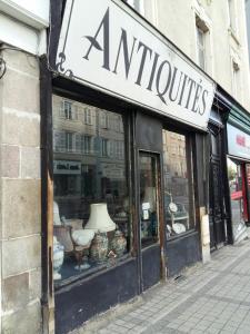 Mme Nicolier Josette - Achat et vente d'antiquités - Limoges