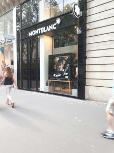 Montblanc Boutique Stylos/crayons - Papeterie - Paris