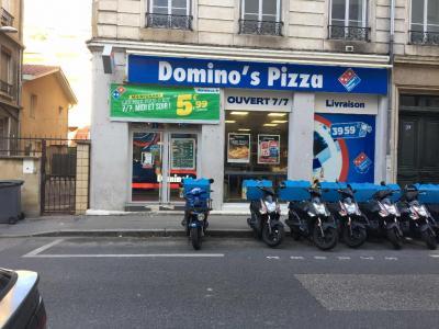 Dominos Pizza - Restauration à domicile - Villeurbanne