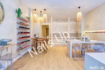 Nails Up - Manucure - Paris