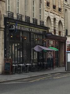New Auld Alliance SARL - Café bar - Paris