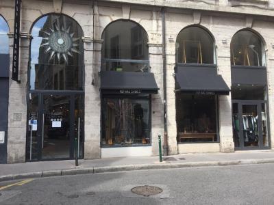 Noa - Chaussures - Lyon