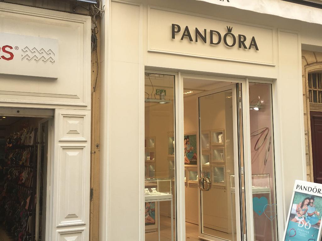 boutique pandora paris france