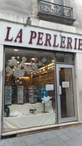 Perlerie 22 - Bijoux - Paris