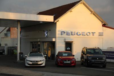 "Peugeot Sas Merrien ""Garage du Plateau"" - Garage automobile - Guyancourt"