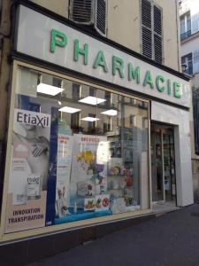 Pharmacie Attuil - Pharmacie - Paris