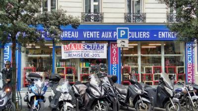 SAV Machines De Bureau Papeterie Majuscule - Papeterie - Paris