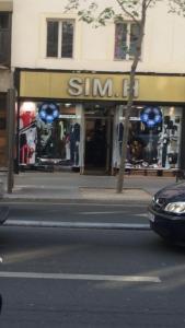 Sim H - Vêtements femme - Paris
