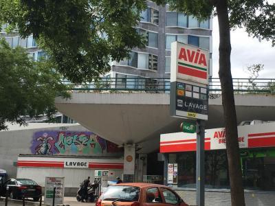 Station Service Avia - Location d'automobiles de tourisme et d'utilitaires - Paris
