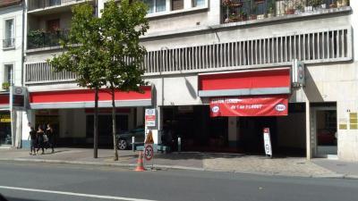 Station Service Esso INDUSTRIELLE AUTOMOBILE VINCENNOISE - SIAV - Garage automobile - Vincennes