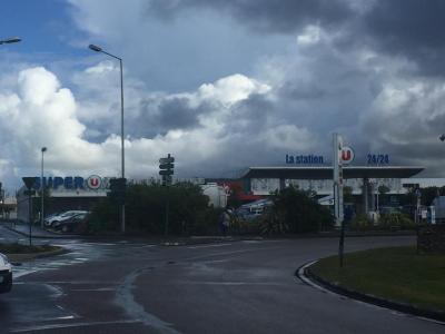 Super U Drive La Chaume Distributeur - Station-service - Les Sables-d'Olonne