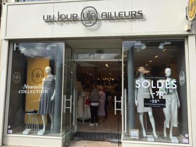 Un Jour Ailleurs - Vêtements femme - Paris