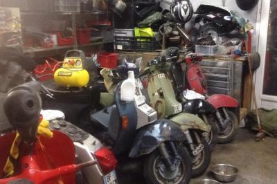 Vespa Old School - Vente et réparation de motos et scooters - Marseille