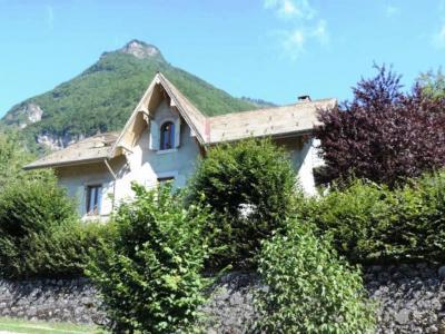 Villa Les Charmilles - Hôtel - Taninges