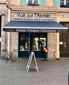 Vue Sur L'Atelier - Fabrication de chocolats et confiseries - Hyères